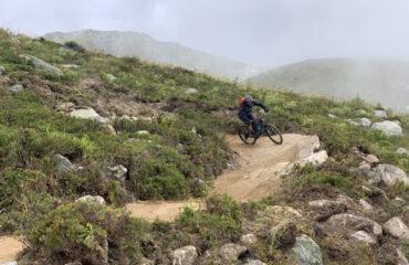 Biker auf Flowtrail