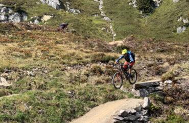 Biker beim dropen