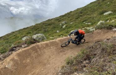 Biker in Anlieger