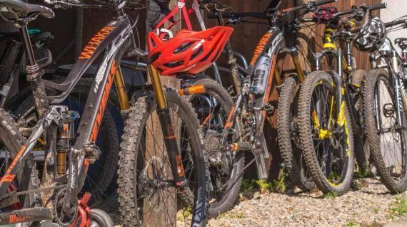 Auffahrt-Bike-Wochenende-Ti-1-2-by-Swiss-Bike-Tours