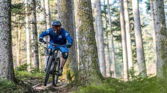 Freeride-Elsass-tricky-2-by-Swiss-Bike-Tours