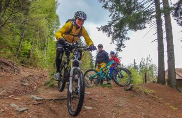Ladies-Singletrail-Classes-3-5-by-Swiss-Bike-Tours
