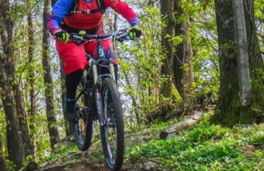 Ladies-Singletrail-Classes-3-9-by-Swiss-Bike-Tours