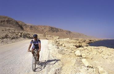Oman-coast-trip-3-2-by-Swiss-Bike-Tours