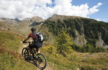Wallis-Engadin-Tessin-3-6-by-Swiss-Bike-Tours