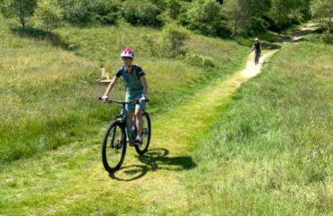 Bikerinnen vor Lema